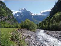 Fig. 1 - Érosion de berge sur le haut Giffre (Haute-Savoie- France).